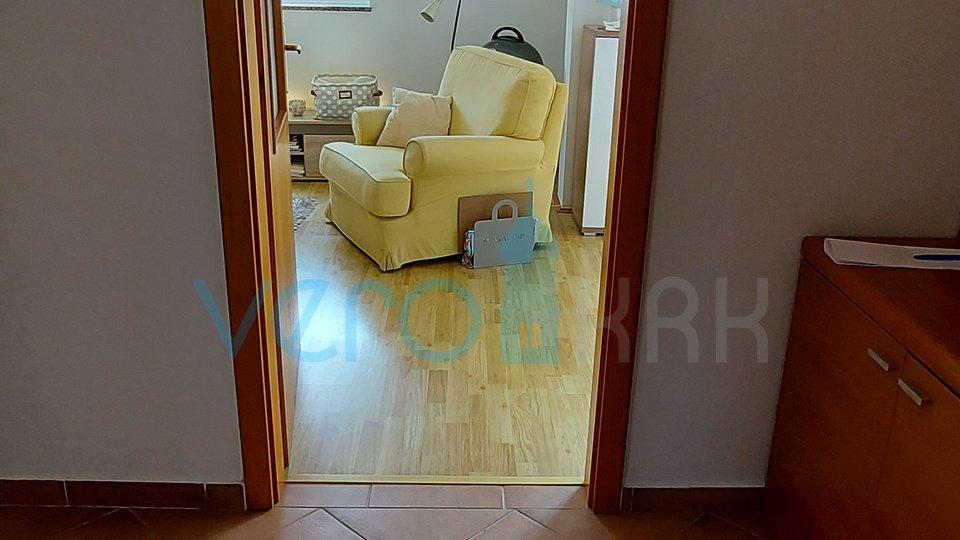 Die Stadt Krk, Apartment mit einem Schlafzimmer, 51,39 m2, im 2. Stock mit großer Terrasse