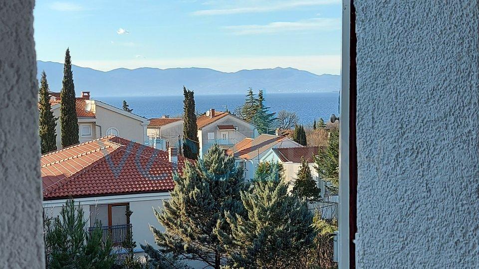 Njivice, otok Krk, dvosoban stan na katu s prekrasnim pogledom na more