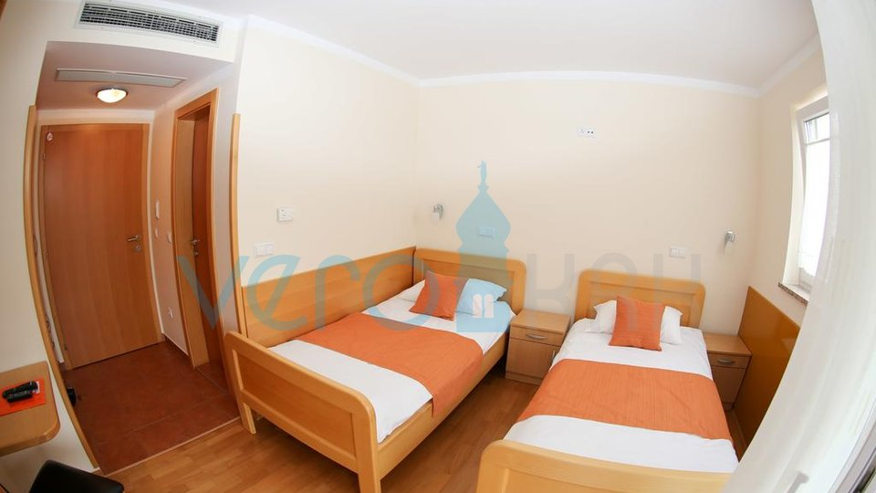 Hotel, 800 m2, For Sale, Malinska