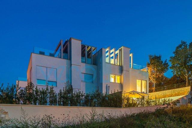 Hiša, 123 m2, Prodaja, Malinska
