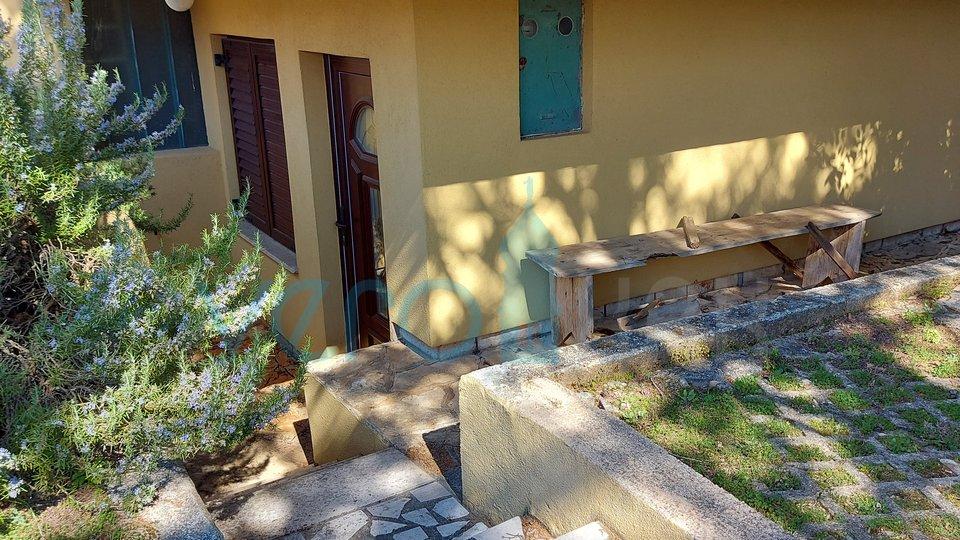Hiša, 176 m2, Prodaja, Malinska