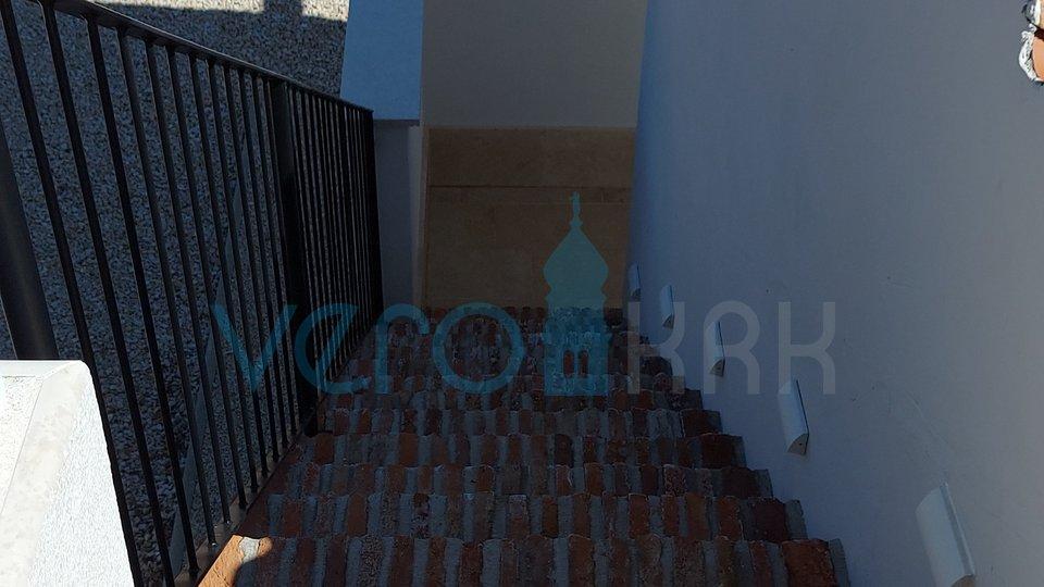 Grad Krk, šira okolica, prekrasna mediteranska vila sa bazenom i pogledom na more