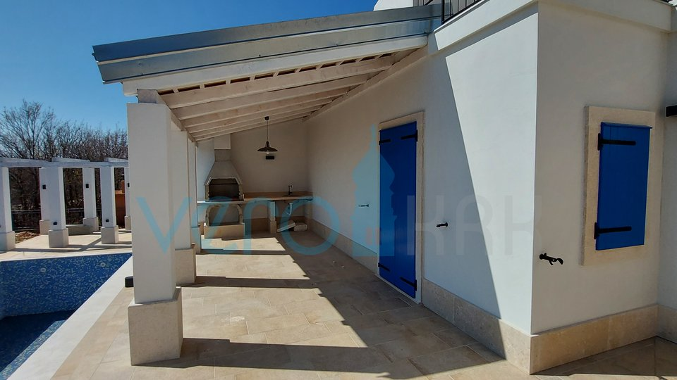 Grad Krk, šira okolica, moderna mediteranska vila sa bazenom i pogledom na more