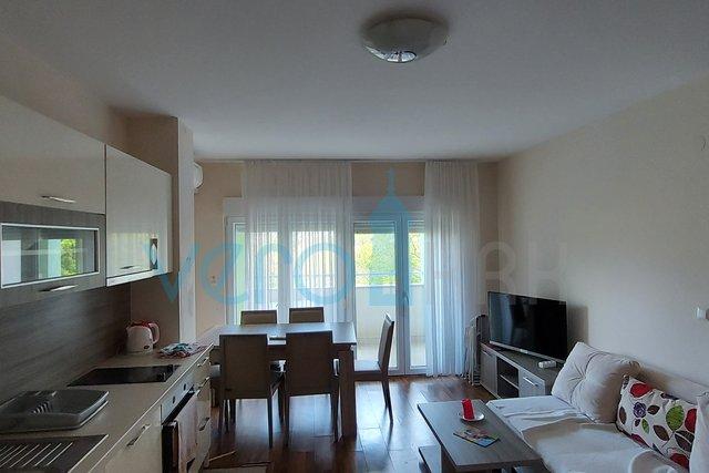 Uvala Soline, otok Krk, trosoban stan na katu sa pogledom na more na 200m