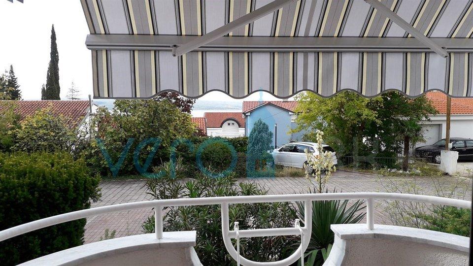 Dramalj, Crikvenica, apartma 36m2 v pritličju 200m od morja