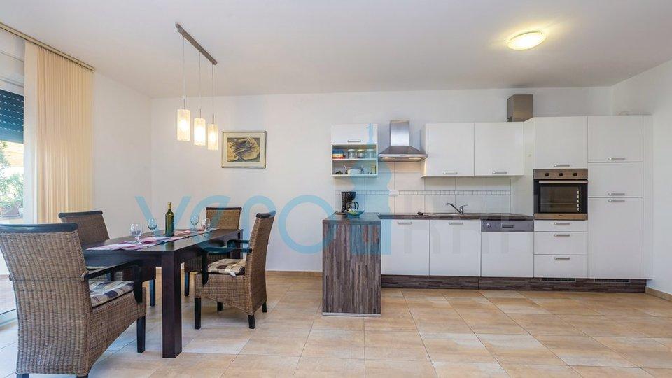 Insel Krk, Omišalj, Apartment mit zwei Schlafzimmern, 20 m vom Meer entfernt