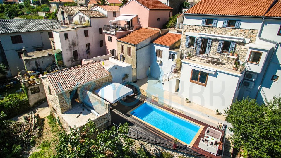 Dobrinj, authentic luxury villa with SPA zone and pool