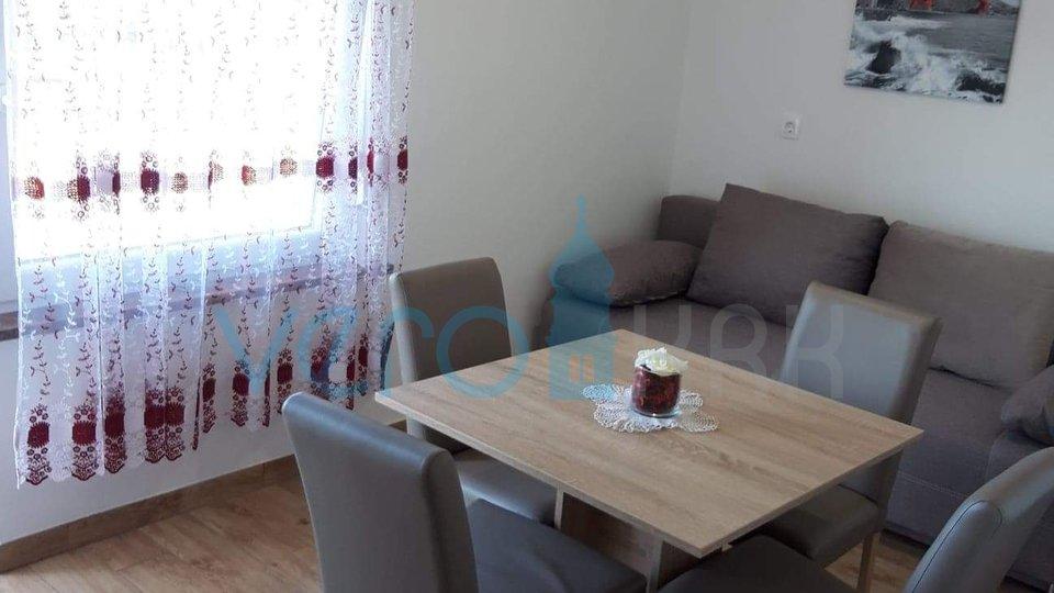 Grad Krk, šira okolica, apartman u prizemlju sa okućnicom