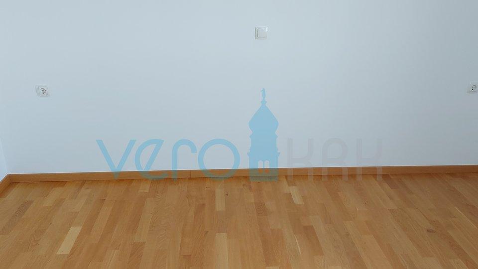 Malinska, Wohnung 2. Stock, 59m2 mit 62m2 Hof