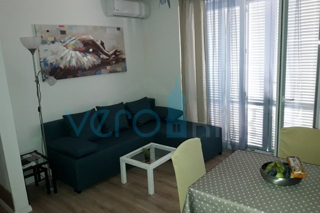 Dobrinj, Umgebung, Maisonette-Wohnung 74 m2 mit Garten im Erdgeschoss