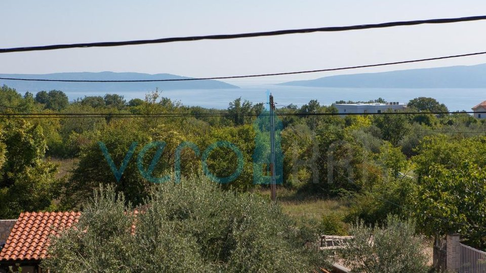 Grad Krk, šira okolica, samostojeća kuća sa bazenom i pogledom na more