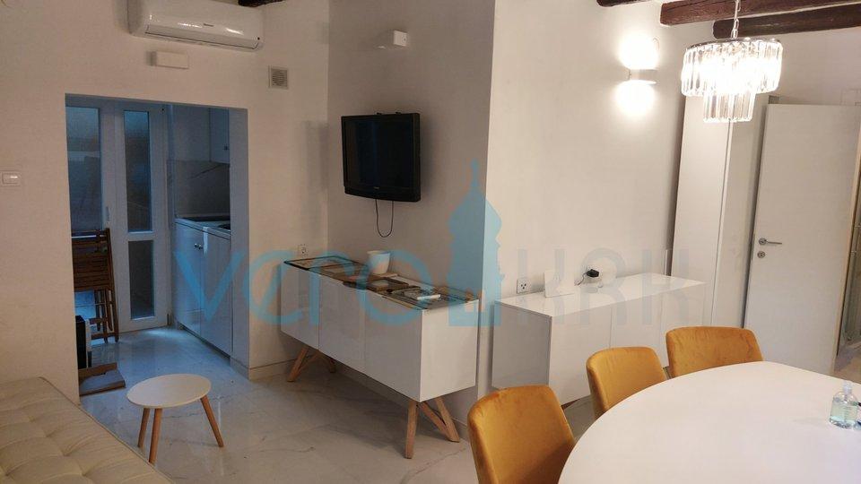Malinska, stan 29 m2 blizu mora