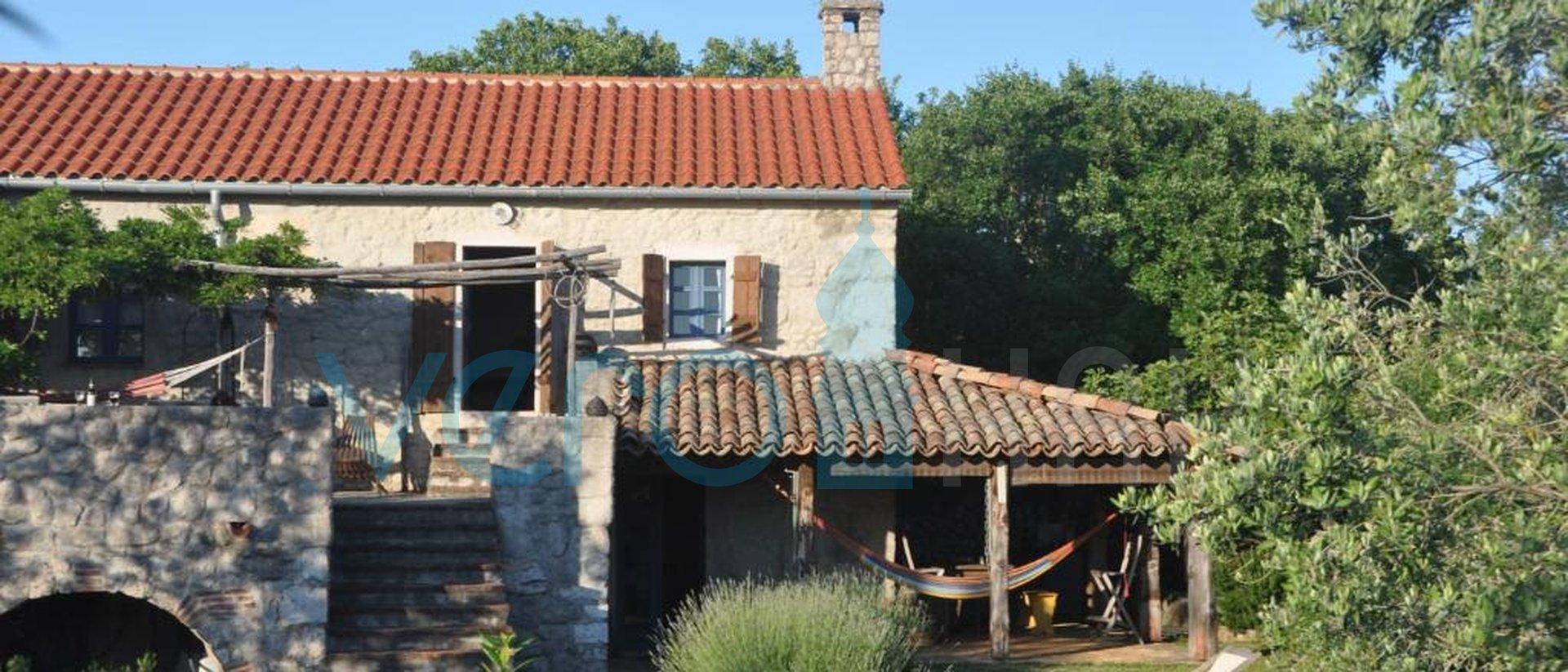 Dobrinj, Umgebung, freistehendes Steinhaus mit Pool und Garten