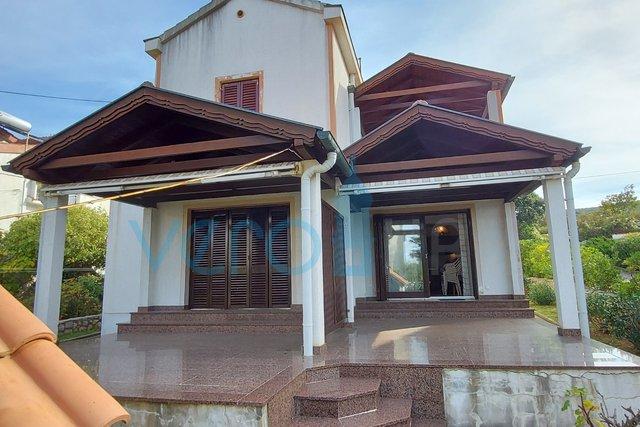 Punat, Insel Krk, Einfamilienhaus mit 4 Wohnungen und Meerblick