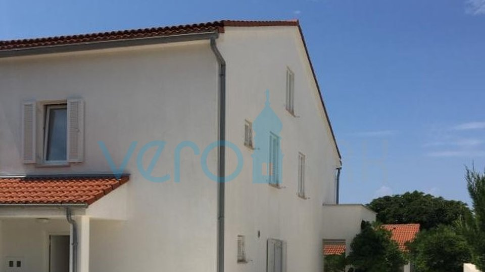 Njivice, nice house near the center