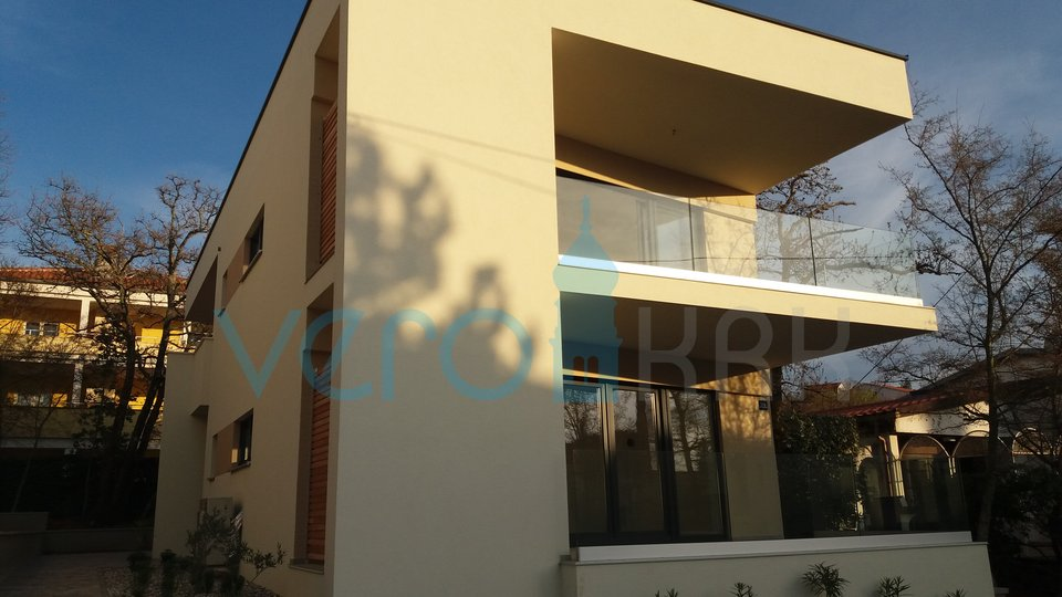 Island of Krk, Njivice, a modern ground floor apartment with garden