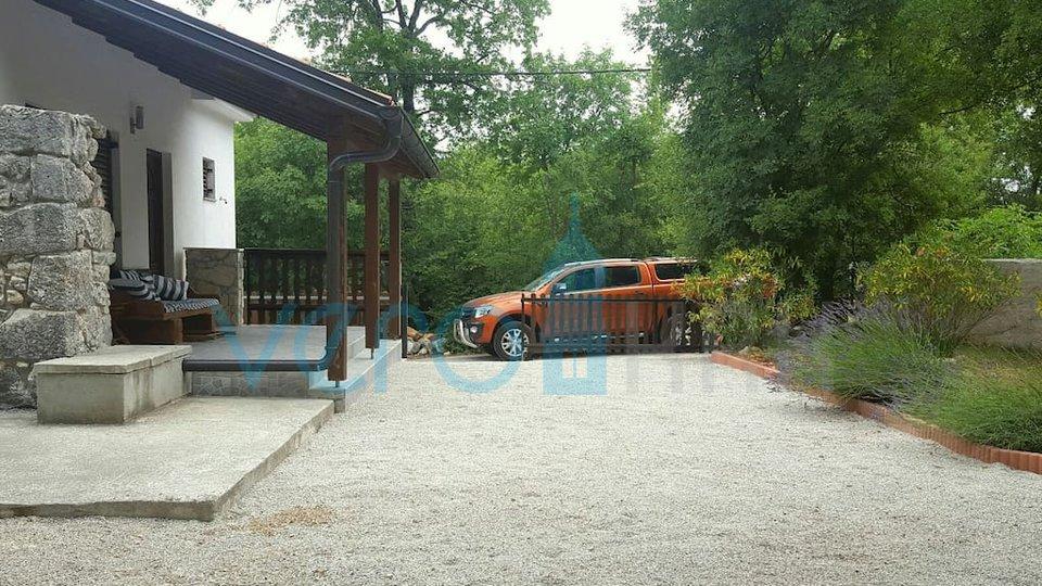 Otok Krk, Dobrinj, okolica, nova kamnita samostojna hiša z vrtom