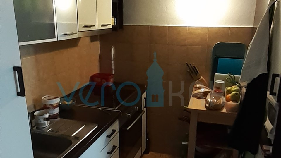 Island of Krk, city Krk, semi-detached house with three apartments 400m from the sea