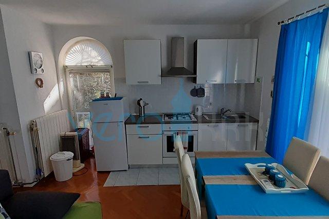 Insel Krk, Malinska, Apartment mit einem Schlafzimmer im Stadtzentrum