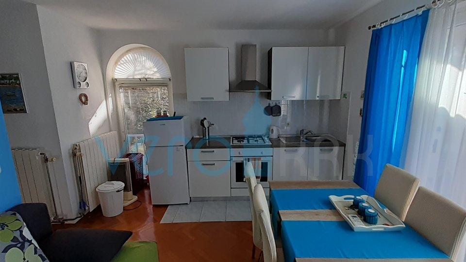 Otok Krk, Malinska, jednosoban apartman u samome centru grada