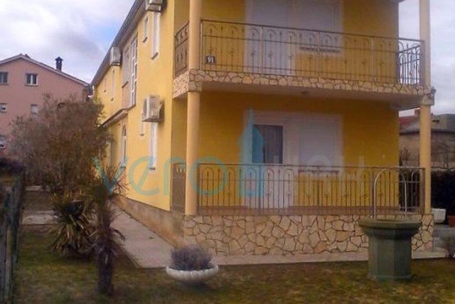 Otok Krk, Šilo, kuća s pet apartmana