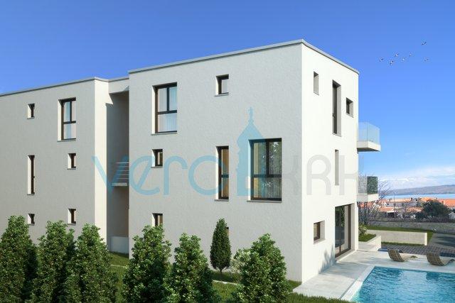 Malinska, otok Krk, moderan dvoetažni apartman s bazenom i pogledom na more