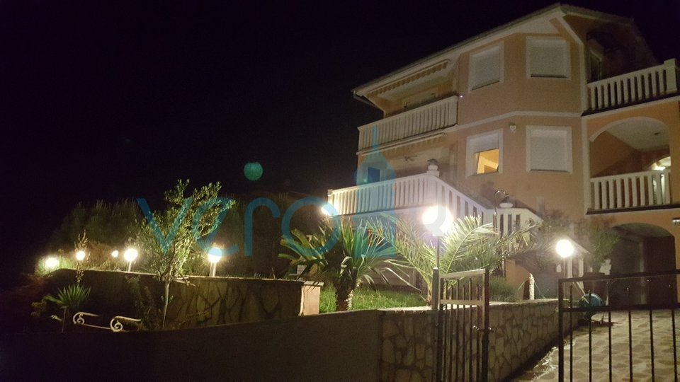 Insel Krk, Omisalj, schönes Haus mit Panoramablick auf das Meer