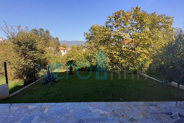 Insel Krk, Šilo, komfortable Wohnung im Erdgeschoss mit Garten