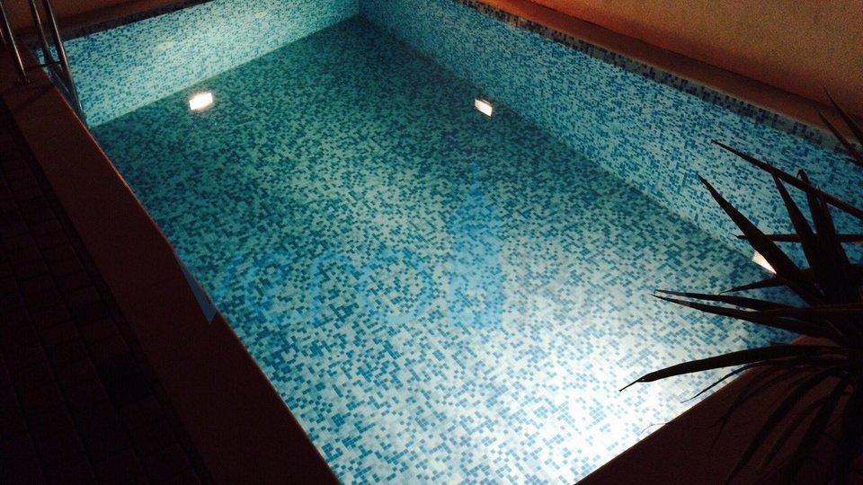 Silo, otok Krk, apartma v pritličju z bazenom