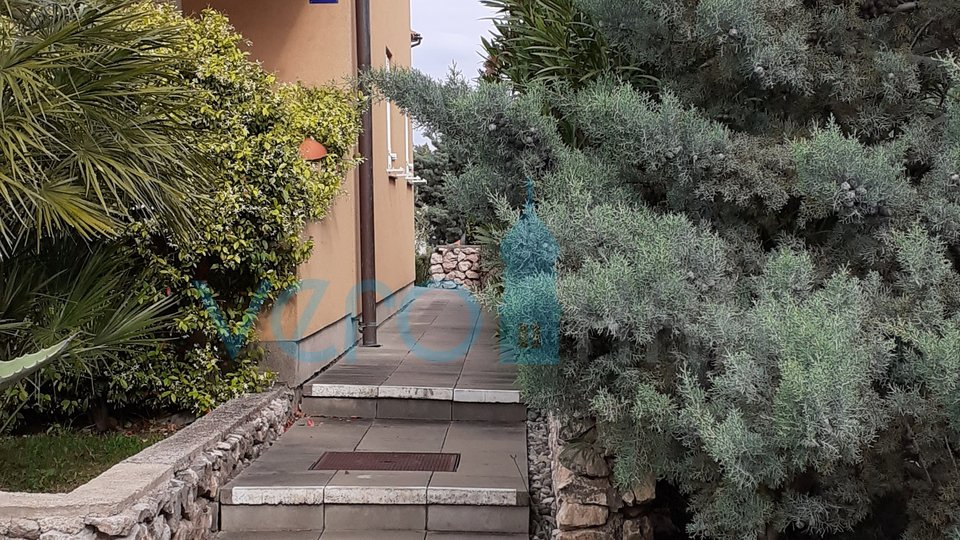 Island of Krk, Klimno, OPPORTUNITY! Terraced house with nice garden and panoramic sea view