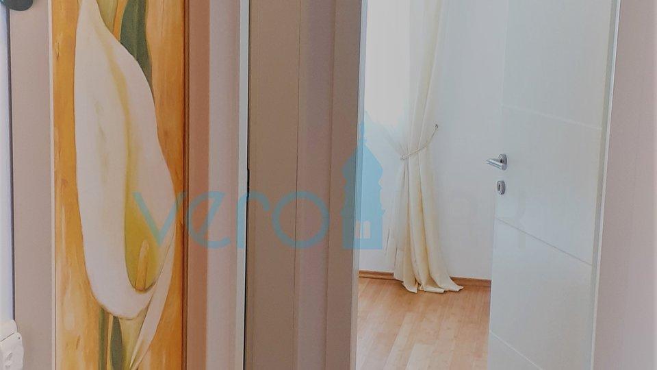 Punat, otok Krk, luksuzan apartman s otvorenim pogledom na more