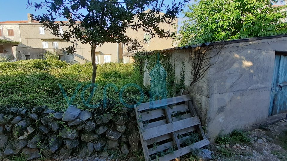Linardići, island Krk, OPPORTUNITY! an indigenous property with two houses