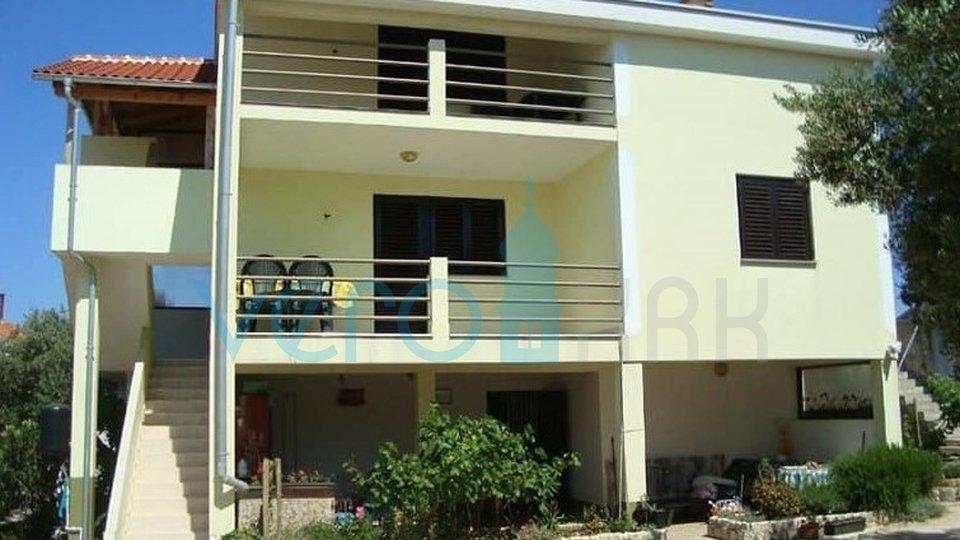 Haus, 375 m2, Verkauf, Pag