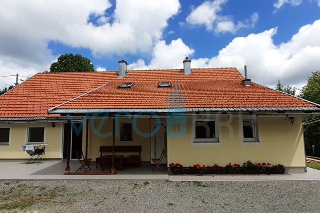 Ravna gora, casa indipendente su proprietà di 8.000m2