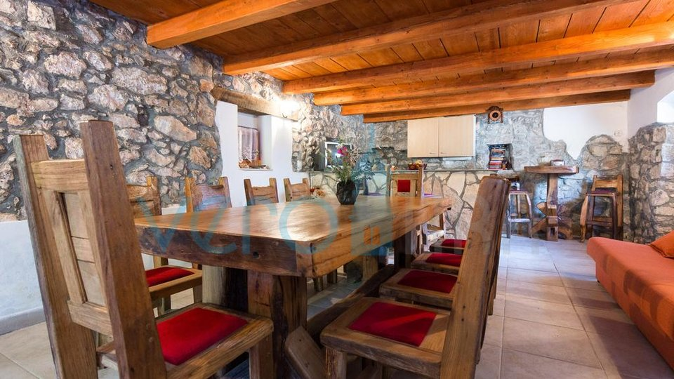 Isola di Krk, dintorni, autentica casa in pietra ristrutturata