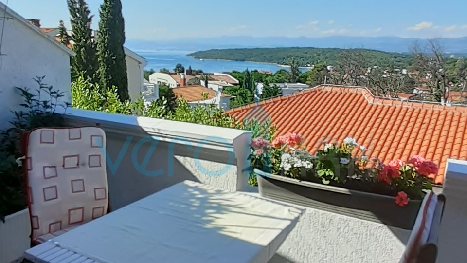 Njivice, two bedroom apartment 85.57m2 with a large garden and sea view