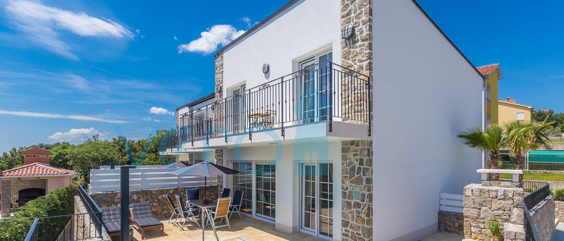 Città di Krk, dintorni, magnifiche ville con piscina in ottima posizione