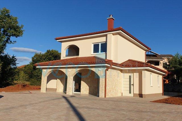 Rasopasno, otok Krk, moderna niskoenergetska samostojeća montažna kuća