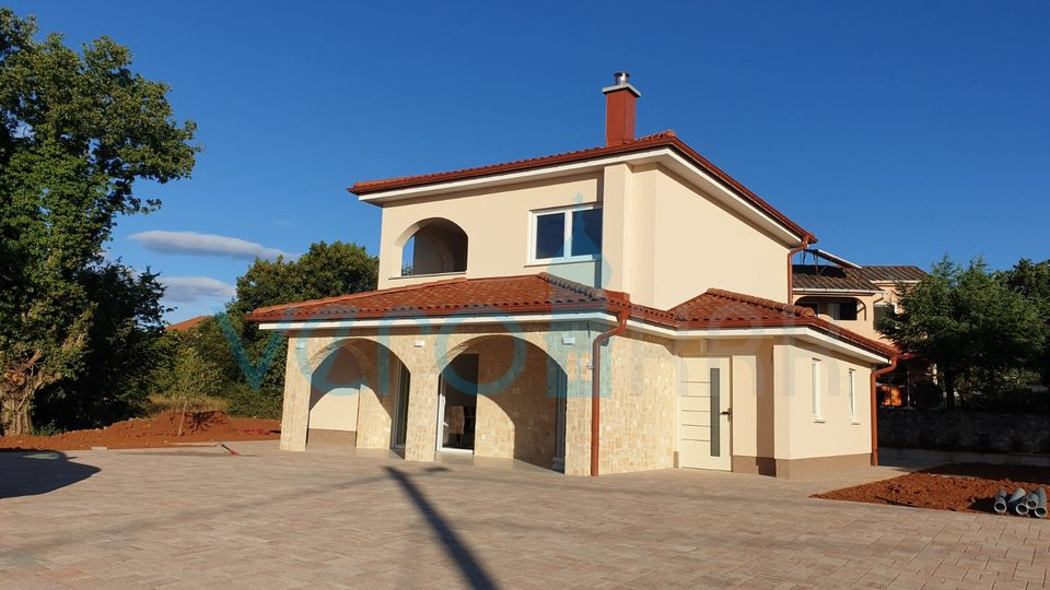 Rasopasno, otok Krk, moderna nizkoenergijska samostojna montažna hiša