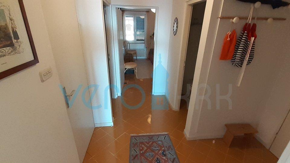 Città di Krk, appartamento con due camere da letto con vista mare