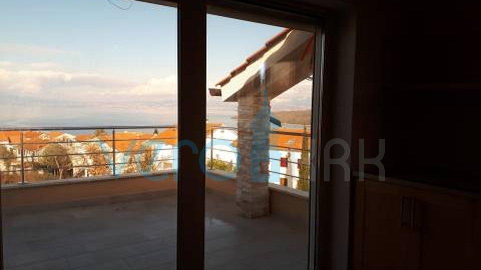 Otok Krk, Njivice, dvosoban apartman s panoramskim pogledom na more