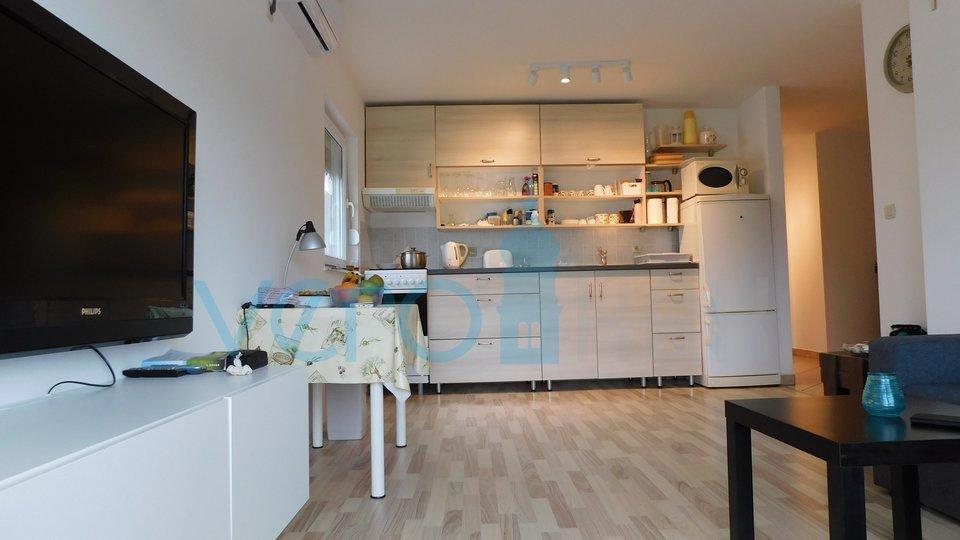 Šilo, otok Krk, lijepo uređen dvosoban apartman na katu