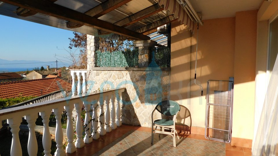 Malinska, Maisonette-Wohnung mit Garten und Panoramablick auf das Meer