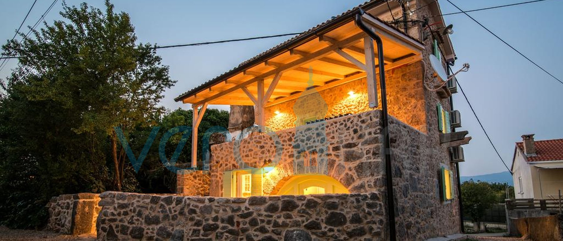 Die Insel Krk, Vrbnik Umgebung, Steinvilla mit Pool