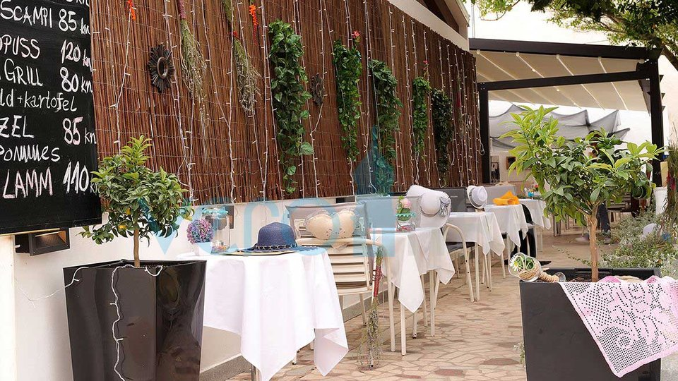 Punat, island of Krk, well-established restaurant with two apartments in a busy location