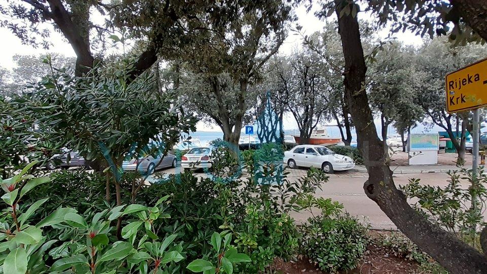Punat,otok Krk, uhodan restoran na frekventnoj lokaciji