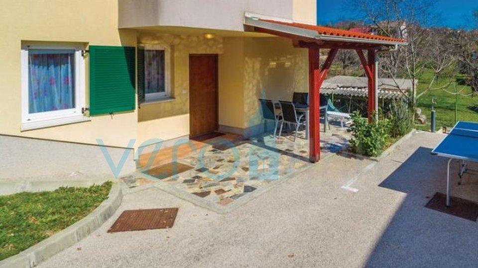 Die Insel Krk, Čižići, komfortable Wohnung im Erdgeschoss mit Garten