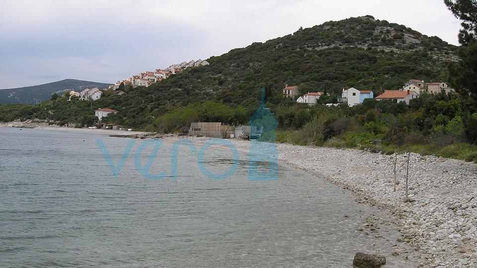 Otok Cres, privlačno zemljišče 1442m2, 200 do morja