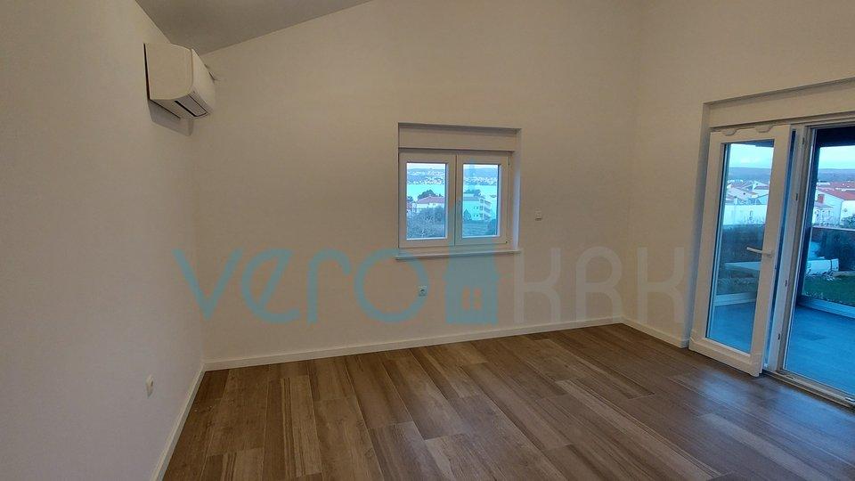 Malinska, okolica, dva jednosobna stana na 2 katu sa pogledom na more