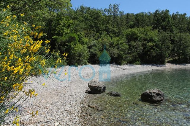 Island of Krk, western part, building plot and olive grove 2953m2